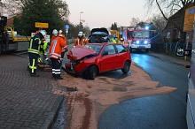Feuerwehr Steimbke nimmt ausgelaufene Betriebsstoffe auf