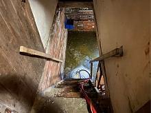 Mit Tauchpumpen wurde der Keller trocken gelegt